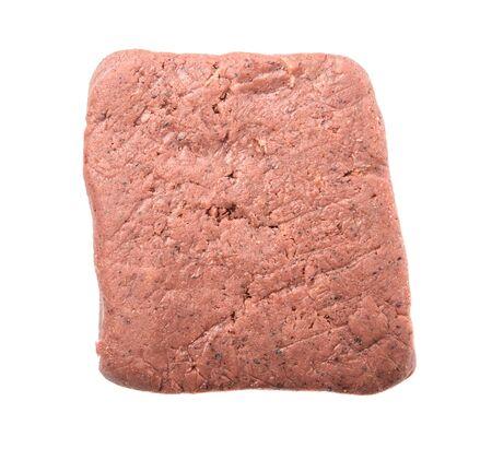 camaron: Un bloque de pasta de camarones hecho tradicionalmente sobre el fondo blanco