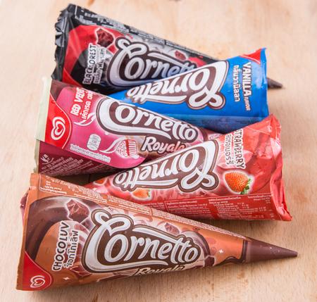 PUTRAJAYA MALASIA junio 22 DE 2015. helados Cornetto de Unilever. Unilever es de bienes de consumo multinacional thirdlargest del mundo y posee más de 400 productos. Foto de archivo - 42073688
