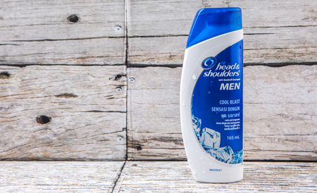 head shoulders: PUTRAJAYA, MALAYSIA - JULY 14TH, 2015. Head And Shoulders shampoo for men. Head  Shoulders is a brand of anti-dandruff shampoo produced by Procter  Gamble.