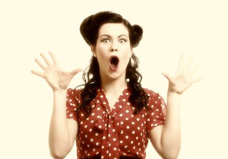 cara sorprendida: imagen brillante de cara de mujer sorprendido sobre blanco