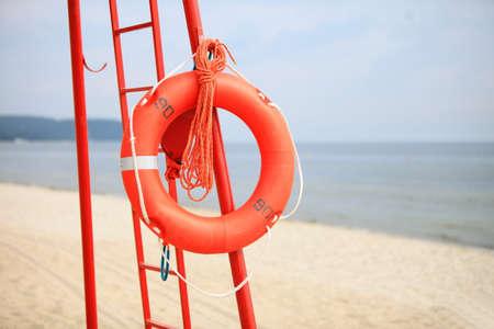 buoyancy: La vida de ahorro de la playa. Ayuda naranja equipo de rescate salvavidas de flotabilidad salvavidas