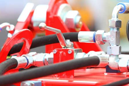 Collegamenti idraulici tubi di un macchinario industriale dettaglio