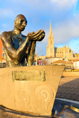 co cork: COBH, IRELAND - NOVEMBER 26   Statue entitled  The Navigator  in John F  Kennedy Park on November 26, 2012 in Cobh Co  Cork Ireland  Sculpture by Mary Gregoriy was installed in Cobh in 2000 Editorial