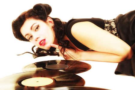 amantes: Chica retro de la mujer feliz con la fonografía vendimia amante discos de vinilo analógicos música Foto de archivo