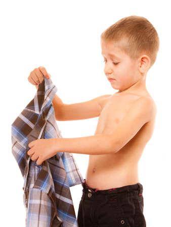 concepto de la independencia infancia - niño vestirse Foto de archivo