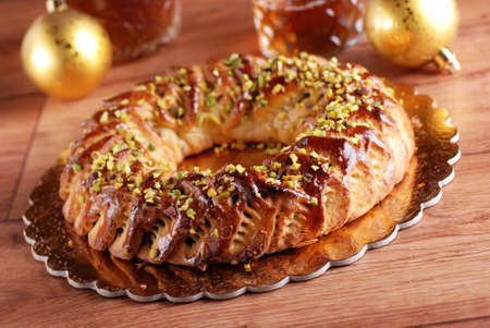 Sicilian sweet with dried figs and pastry on the Christmas table 版權商用圖片