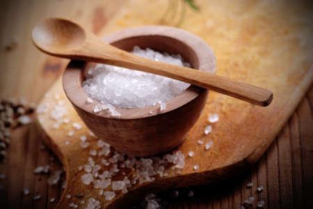 coarse: coarse salt in small wooden bowl