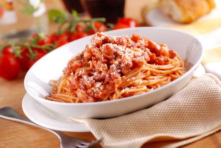 Spaghetti Amatriciana, traditional Italian recipe 版權商用圖片