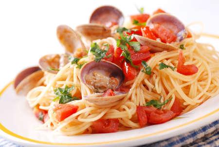 spaghetti with clams, a traditional Italian recipe 版權商用圖片