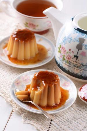 vanilla pudding: vanilla pudding with caramel for breakfast