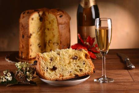 weihnachtskuchen: die klassische Panettone - traditionelle italienische Weihnachtskuchen