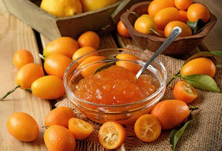 kumquat jam homemade in the glass bowl - closeup 版權商用圖片