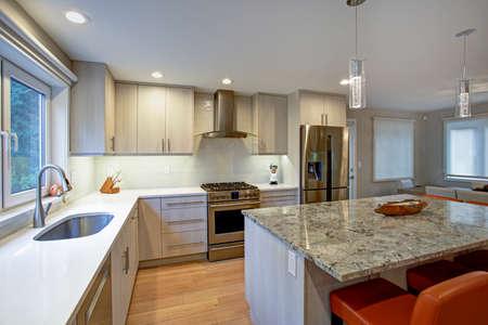 Gorgeous Kitchen Design Features Ivory Kitchen Cabinets Flanking Delectable Gorgeous Kitchen Designs