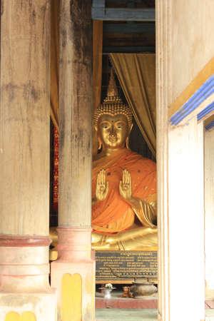 praye: Buddha Wat phra that lampang Luang  Thailand