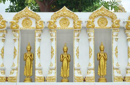 Buddha statue Stock Photo - 21830771