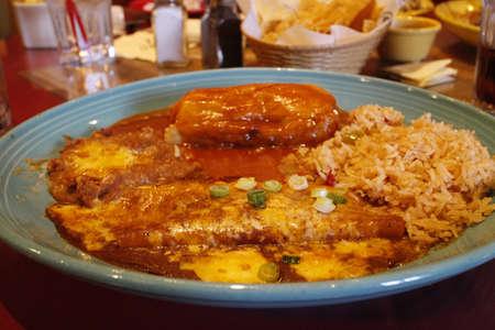 LA 식당에서 본격적인 멕시코 쇠고기 타코