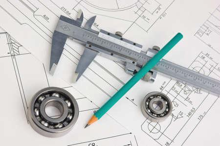 maschinen: Werkzeuge und Mechanismen detailliert auf dem Hintergrund von technischen Zeichnungen Lizenzfreie Bilder