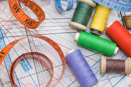 darn: Sewing on the background pattern
