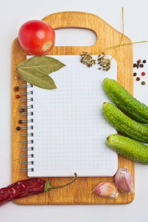 elenchi: Notebook con ricette e lista della spesa in cucina