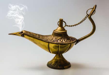 Aladdin lámpara mágica este diseño para satisfacción de deseos Foto de archivo - 20302124