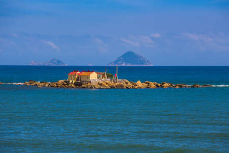 cram: Buddhist temple on the island for fishermen