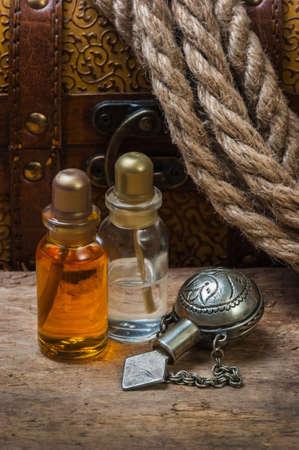 elixir: Ves?culas con un elixir contra los consejos de edad y en el pecho Foto de archivo