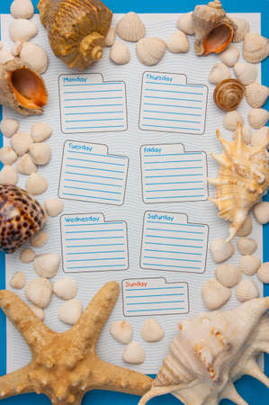 calendrier hebdomadaire dans un style marin, feuille pour l'agenda