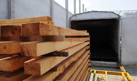 tratment: Pallet heat treatment machine with pallets about to be treated