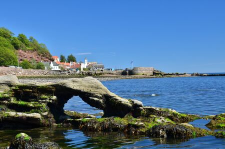 rock arch: Rock Arch at West Wemyss