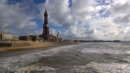 mare agitato: Mare agitato a Blackpool Archivio Fotografico