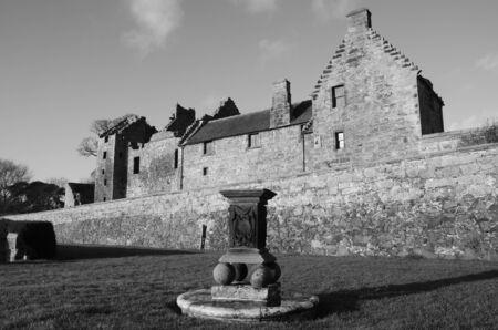 reloj de sol: Reloj de sol en el castillo