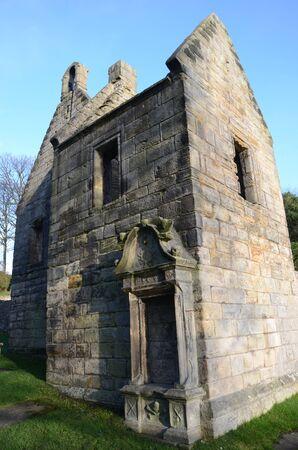 kirk: Ruins of Old Kirk
