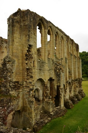 A view of the extensive ruins of the medieval Rievaulx abbey in North Yorkshire Reklamní fotografie