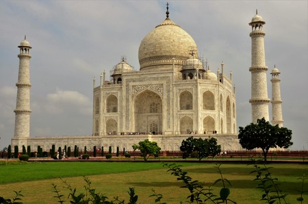 A view of the impressive Taj Mahal mausoleum complex in Agra, India.
