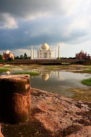 A view of the impressive Taj Mahal mausoleum complex in Agra, India.