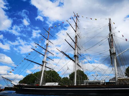 A view of the detail of the wooden clipper ship, the Cutty Sark, moored in Greenwich in London Imagens