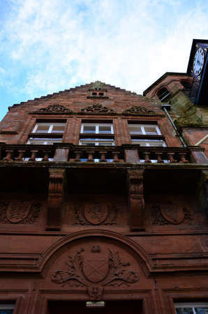 An exterior view of the red sandstone local authority building in the town of Penicuik in Scotland 版權商用圖片