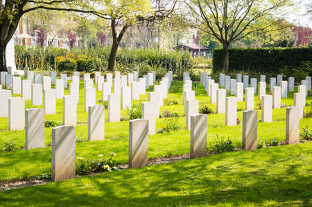 national military cemetery: War cemetery