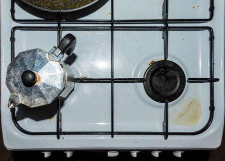 Really old coffee moka is a dirty cooker 版權商用圖片