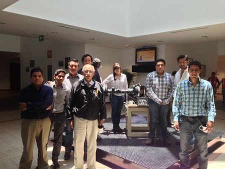 Mechanical engineering students in American axle Mexico