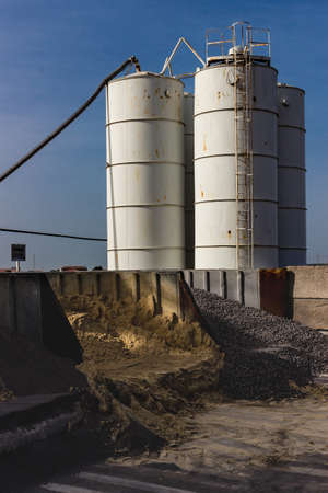 silos: Cement industry and related silos