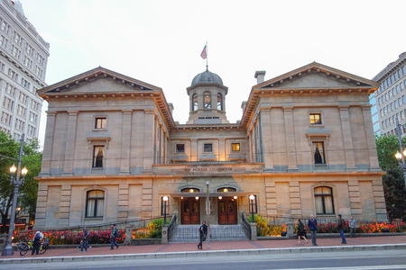 oldest: PORTLAND, USA - MAY 19, 2015: Pioneer Courthouse is the oldest federal building in the Pacific Northwest Editorial