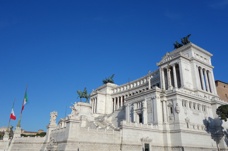 altar of fatherland: Altare della Patria (meaning Altar of the Fatherland) aka Vittoriano or Monumento Nazionale a Vittorio Emanuele II (National Monument to Victor Emmanuel II in Rome, Italy