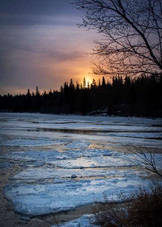 Sunset scene over the Provincial Park at Cold Lake, Alberta Standard-Bild - 117300046