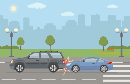 Auto accident involving two cars, on city background. Vector illustration. Vettoriali