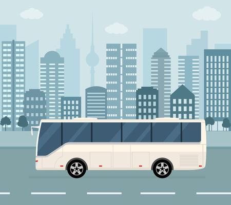 Autobús blanco en el fondo de la ciudad. Concepto de transporte público. Ilustración de vector de estilo plano. Ilustración de vector