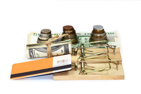 mouse trap: Money, credit card and mouse trap
