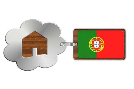 bandera de portugal: Nube y la casa de acero y madera con la bandera de Portugal Foto de archivo