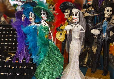 mariachi: Dag van de Dood Mexicaanse bruiloft Calaveras gevonden in een straat winkel in Los Angeles