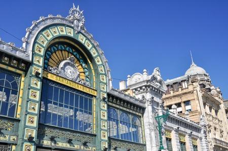 estacion de tren: Fachada de la estaci�n de tren de Abando, Bilbao (Espa�a)